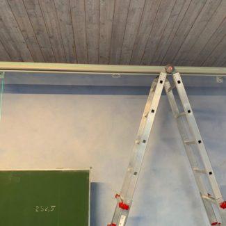 Montage Beamer / Leinwand mit Kreuzlinienlaser